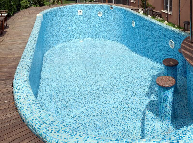 professional pool repair service